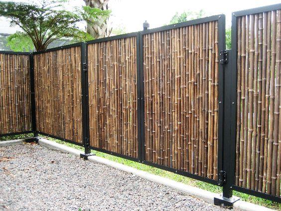 Gard modern din bambus sau trestie