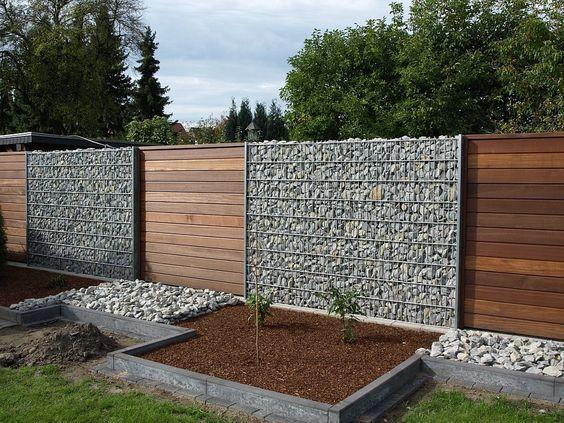 gard din lemn si piatra