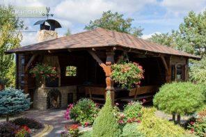 Foisor rustic din lemn de rasinoase