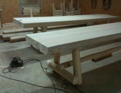 Masa rustica din lemn pentru gradina