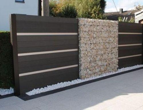Idei de asociere a panourilor din lemn cu garduri de tip gabioane