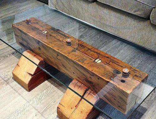 Sticla si lemnul se combina foarte bine intr-o masuta pentru living