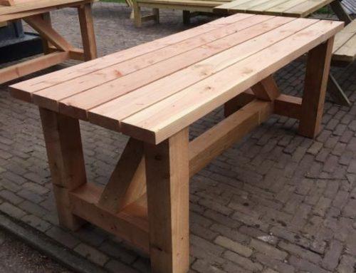 Masa din lemn masiv pentru gradina
